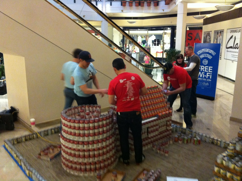 CANstruction_2013_ (2)