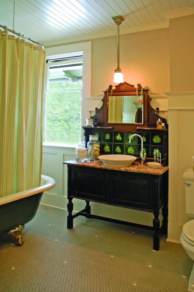 DeWolf_1908_Bathrm_2nd Floor_A_1_P (1)