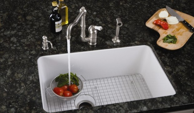 traditional-kitchen-sinks