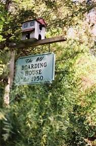 14_OLD_BOARDING_HOUSE_SIGN