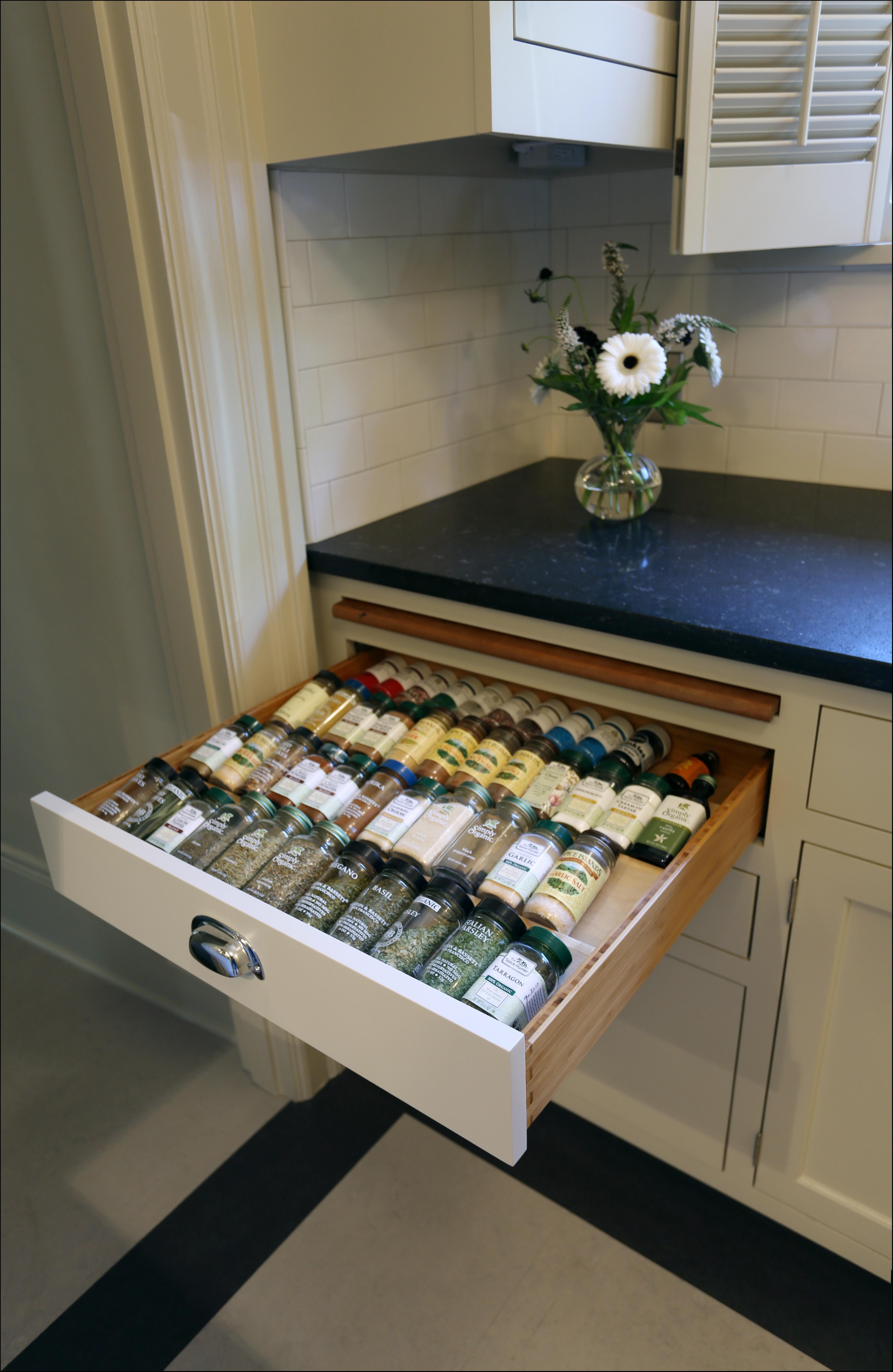 Client s eye view inside arciform - Disenos de cocinas pequenas y sencillas ...