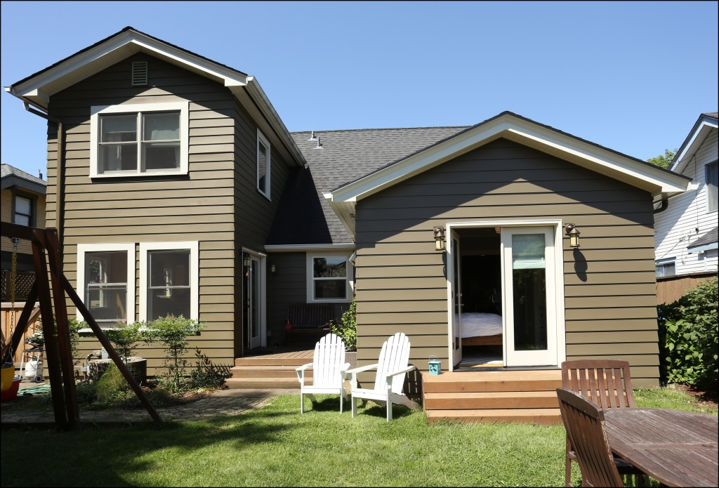 This main floor addition by Kristyn Bester fits seamlessly with the aesthetics of the house.
