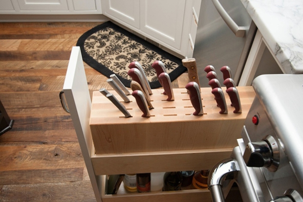 6 kitchen storage trends - pullout knife drawer